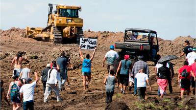 Judge orders shutdown of Dakota Access Pipeline pending review